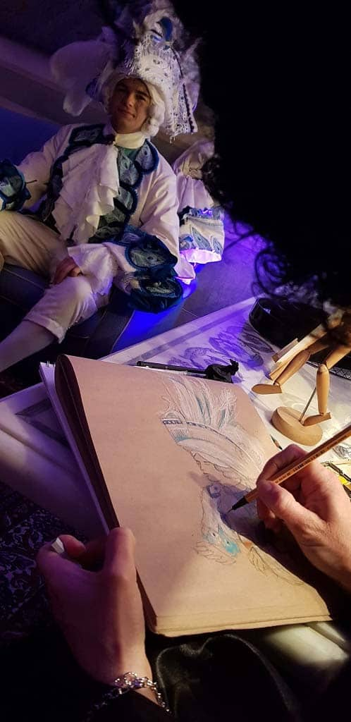 A live painter during a private event for the Venice carnival